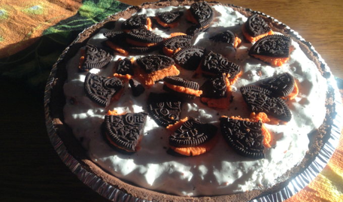 Halloween Dessert: Simple No Bake Oreo Cheesecake