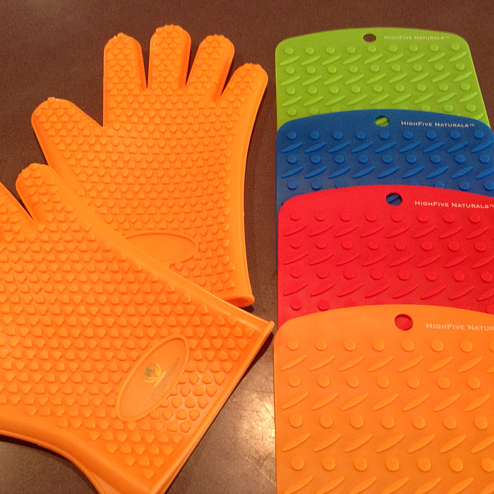 HighFive Naturals Silicone Pot Holders and Oven Mitt