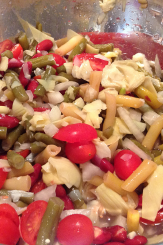 Bean Salad with Sliced Artichoke Hearts and Tomatoes