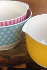 Cake Boss Mixing Bowls: SO Pretty and SO Useful
