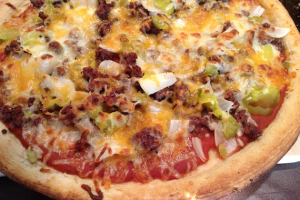 Grilled Cheeseburger Pizza