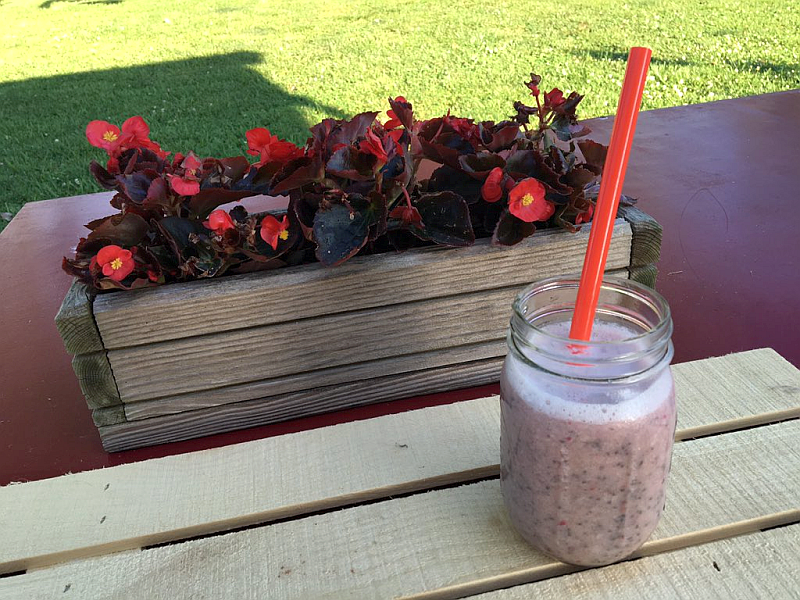 Raspberry, Peach, and Coconut Water Smoothie