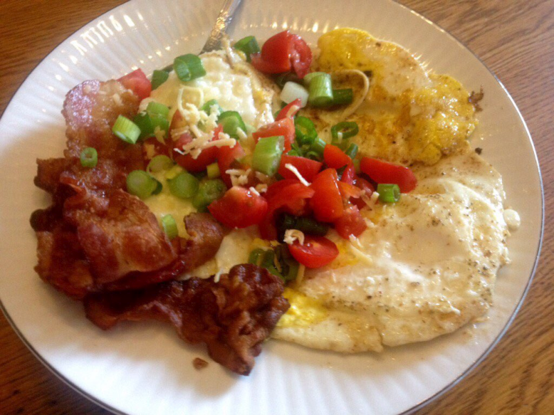 Smoked Gouda Grits with Bacon and Fried Eggs