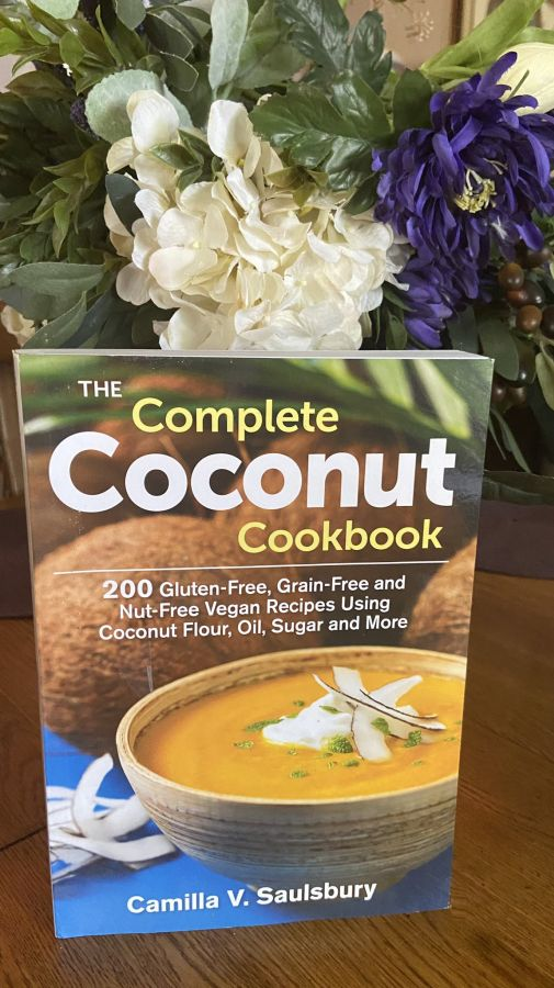 The Complete Coconut Cookbook (Coconut Recipes)